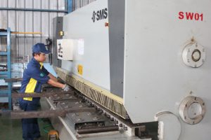 metal shearing machine - Metal Fabrication Shearing
